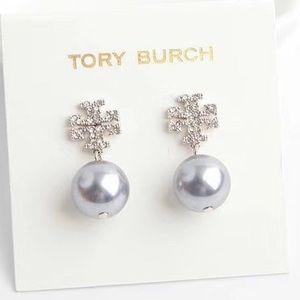 NWOT Tory Burch Crystal Pearl Logo Drop Earring